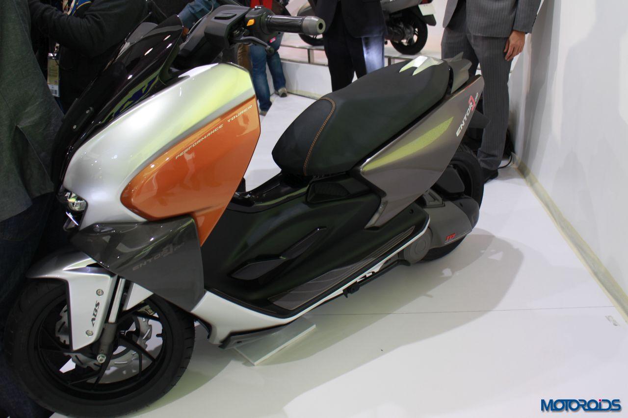 TVS Entorq Concept scooter auto expo 2016 (12)