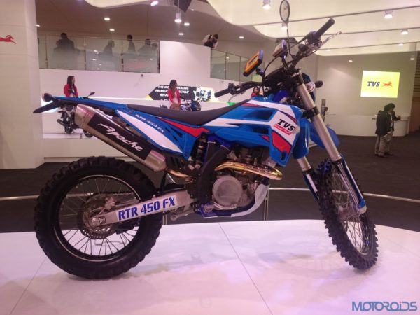TVS RTR 450 FX at the Auto Expo 2016 (1)