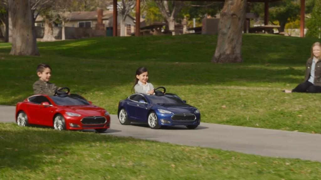 Tesla Model S for Kids by Radio Flyer (7)