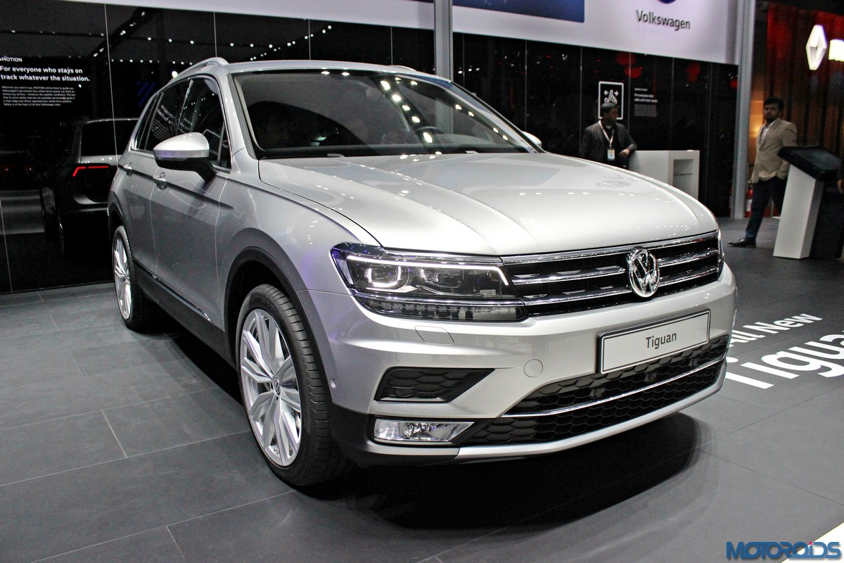 auto expo 2016 is the all new tiguan the star of the volkswagen stand motoroids. Black Bedroom Furniture Sets. Home Design Ideas