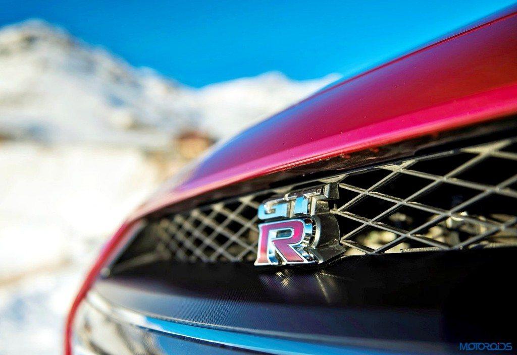 2015 2016 Nissan GT-R Images (2)