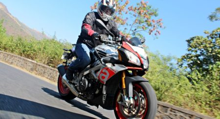 Aprilia Tuono V4 1100 Factory Review - Action Shots (23)