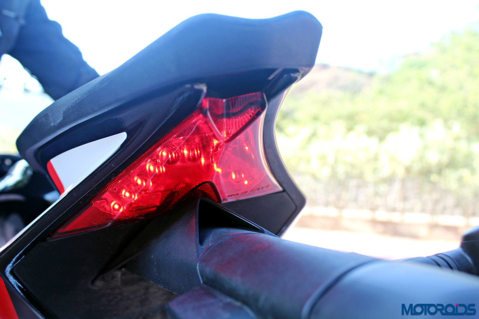 Aprilia Tuono V4 1100 Factory Review - Details and Stills (168)