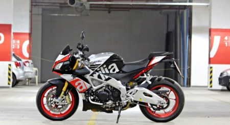 Aprilia Tuono V4 1100 Factory Review - Details and Stills (7)