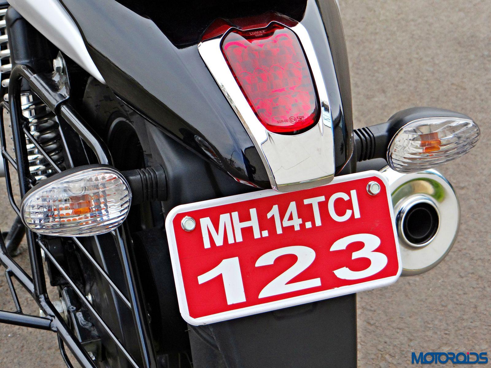 Bajaj V15 - Review - Details - Tail Light (1)
