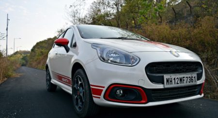 Fiat Punto Abarth Red highlights around foglamp(10)
