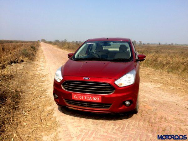 Ford-Figo-Aspire-Drive-057-600x450