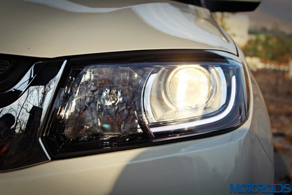Maruti Suzuki Vitara Brezza head lamp (2)