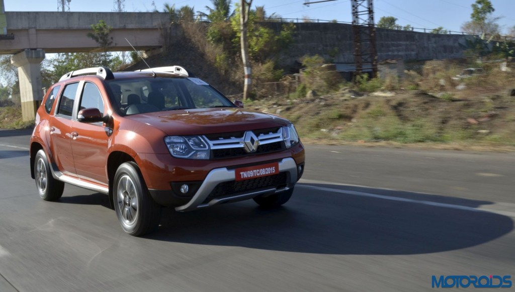 New 2016 Renault Duster In motion (3)