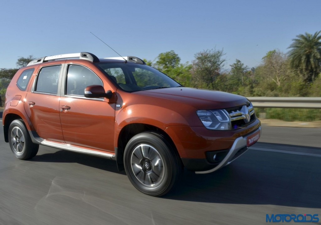 New 2016 Renault Duster In motion (4)