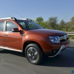 New 2016 Renault Duster Facelift AWD and AMT Review : Dusted and Buffed