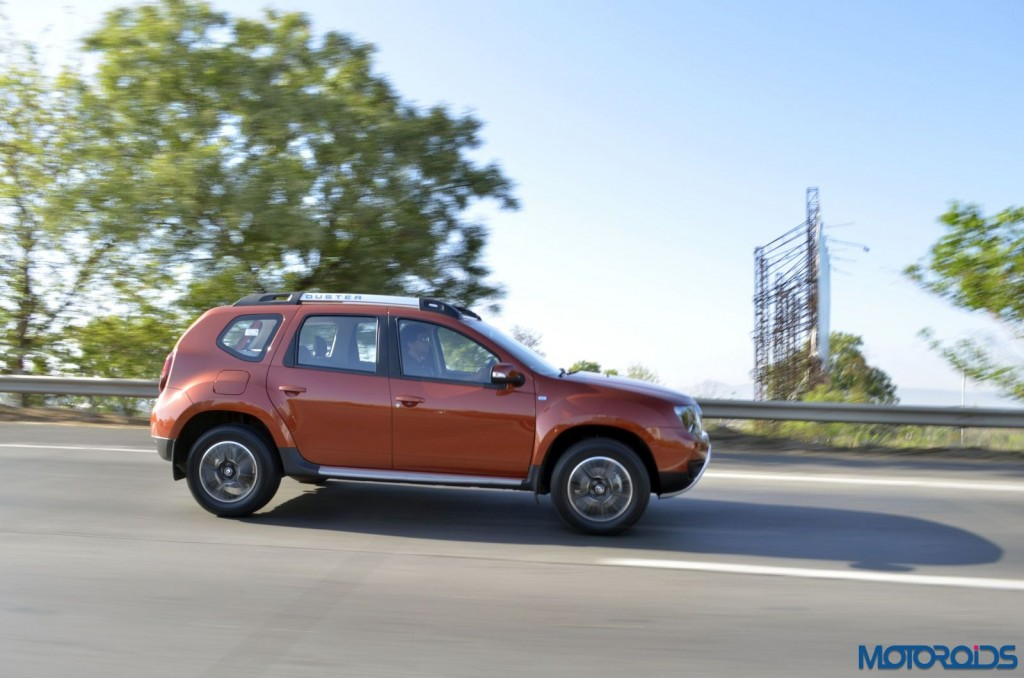 New 2016 Renault Duster In motion (5)