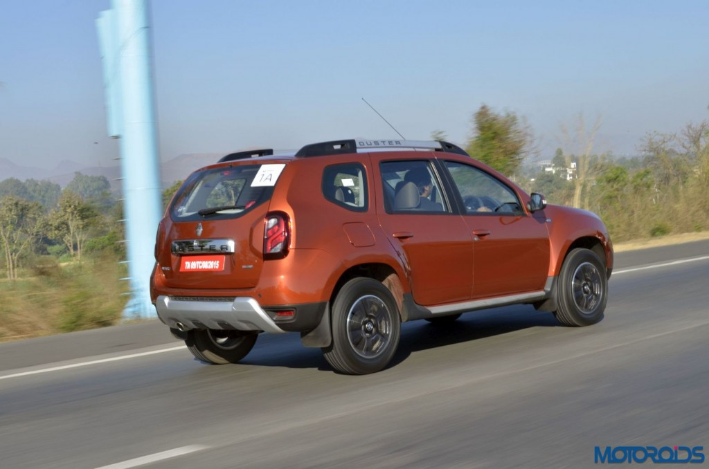 New 2016 Renault Duster In motion (6)