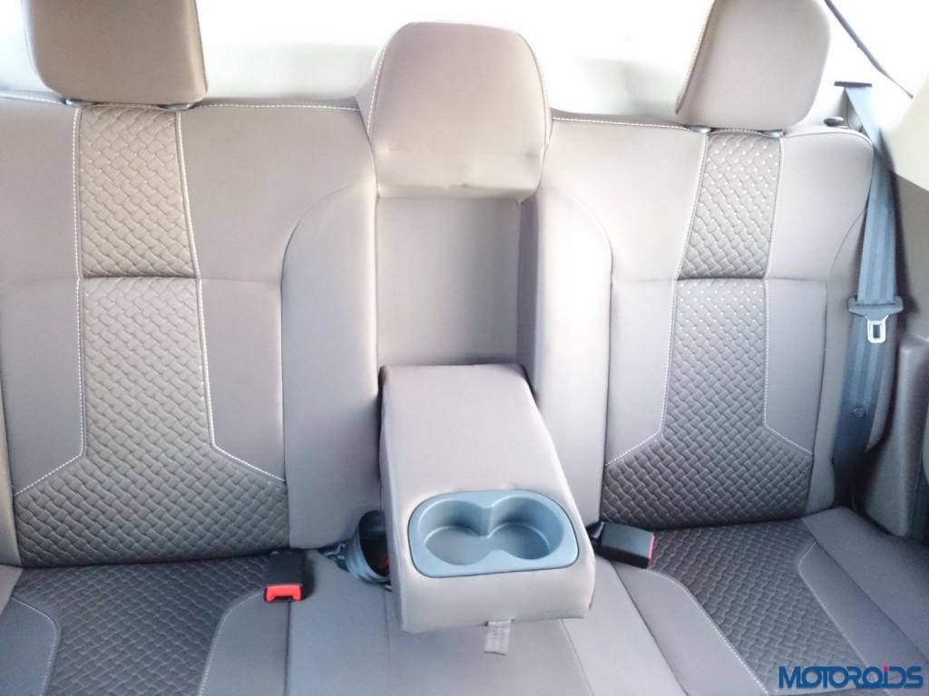 New 2016 Renault Duster rear center armrest (78)