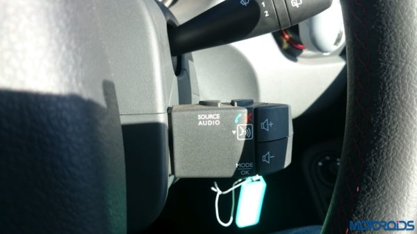 New 2016 Renault Duster steering controls(109)