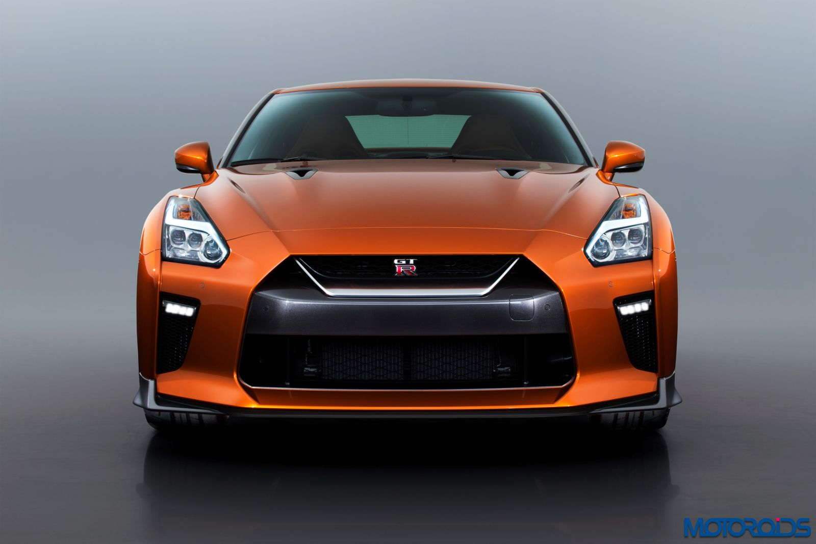 New 2017 Nissan GT-R - Exterior (2)