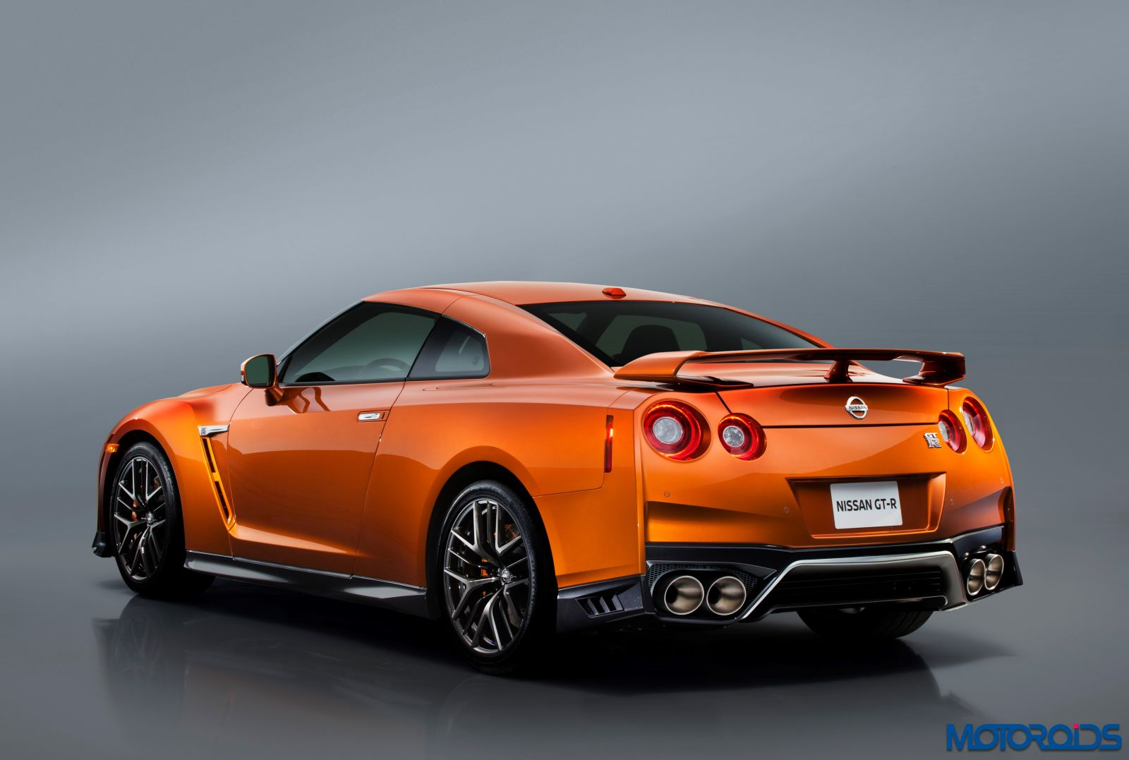 New 2017 Nissan GT-R - Exterior (6)