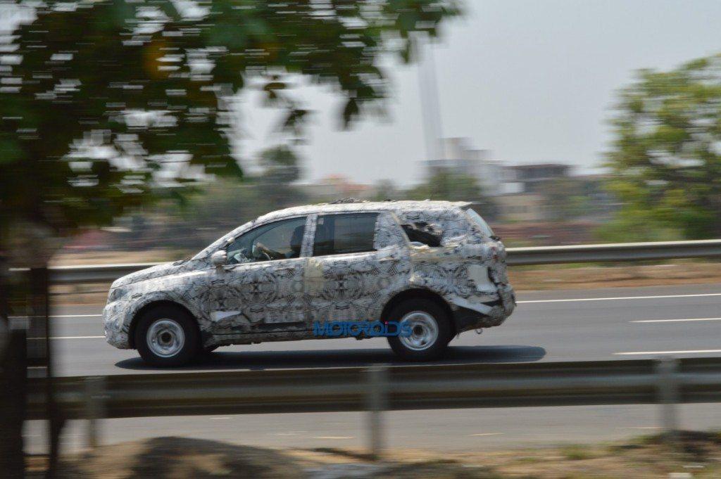 Tata Hexa Spy Pic (1)