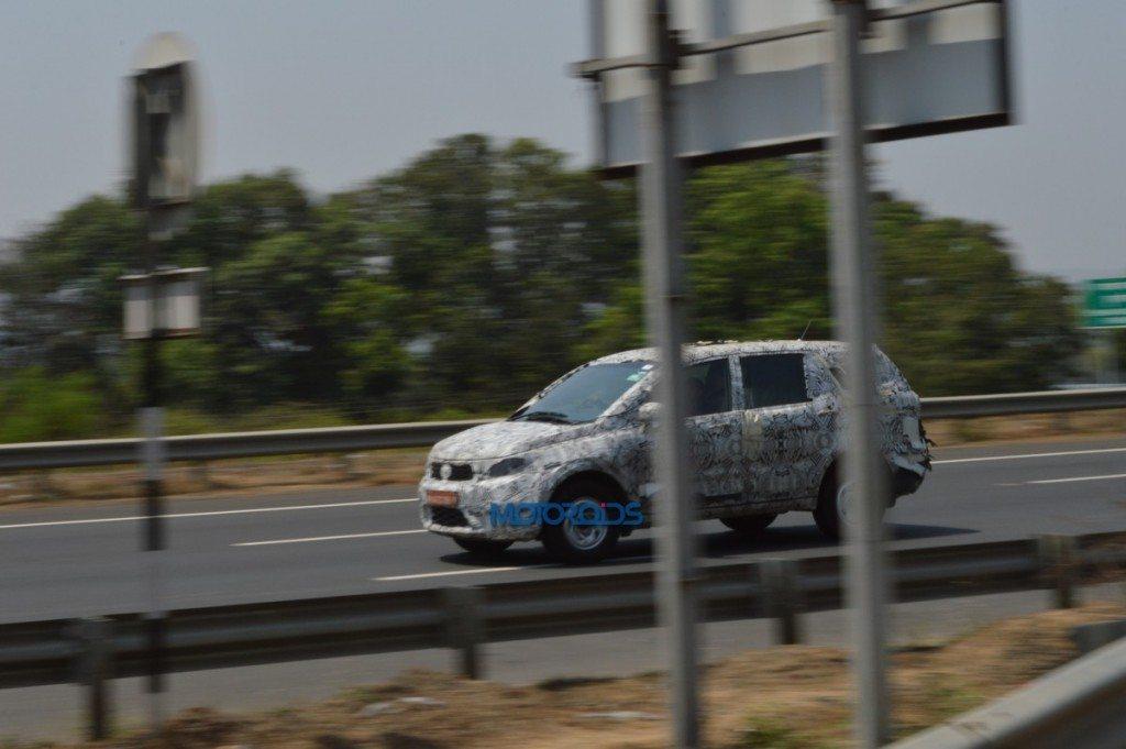 Tata Hexa Spy Pic (2)