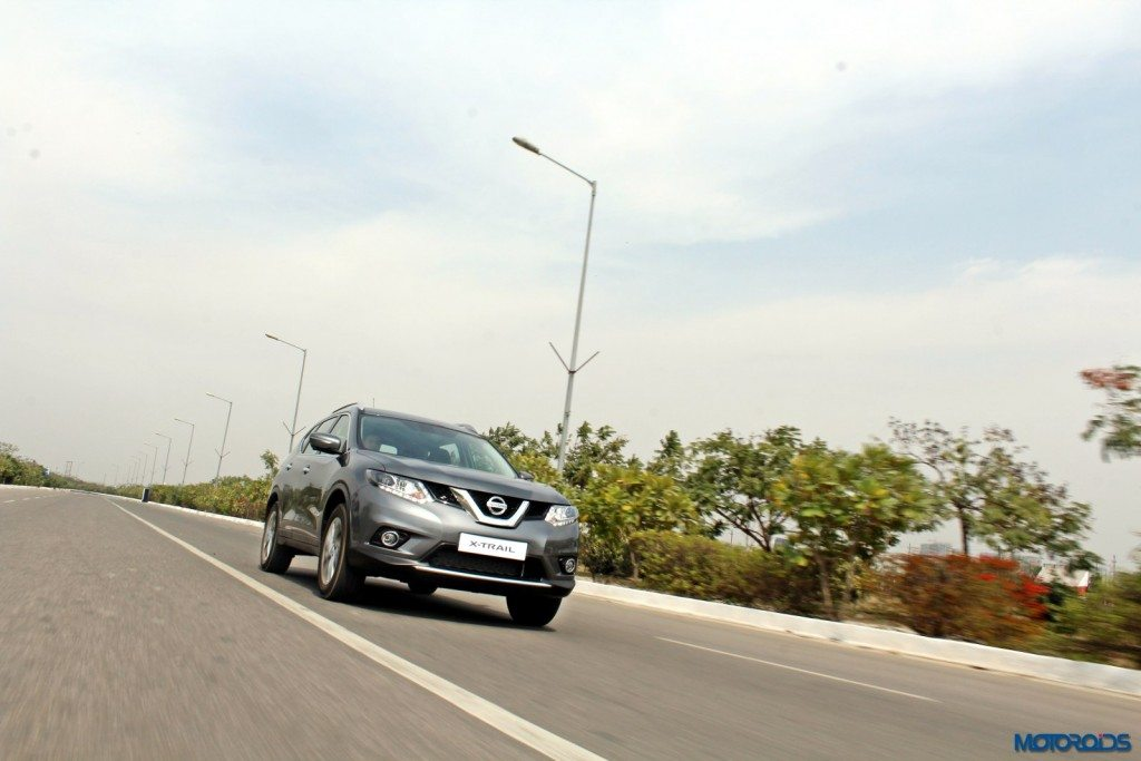 new 2016 Nissan X-Trail Hybrid India grey front (4)