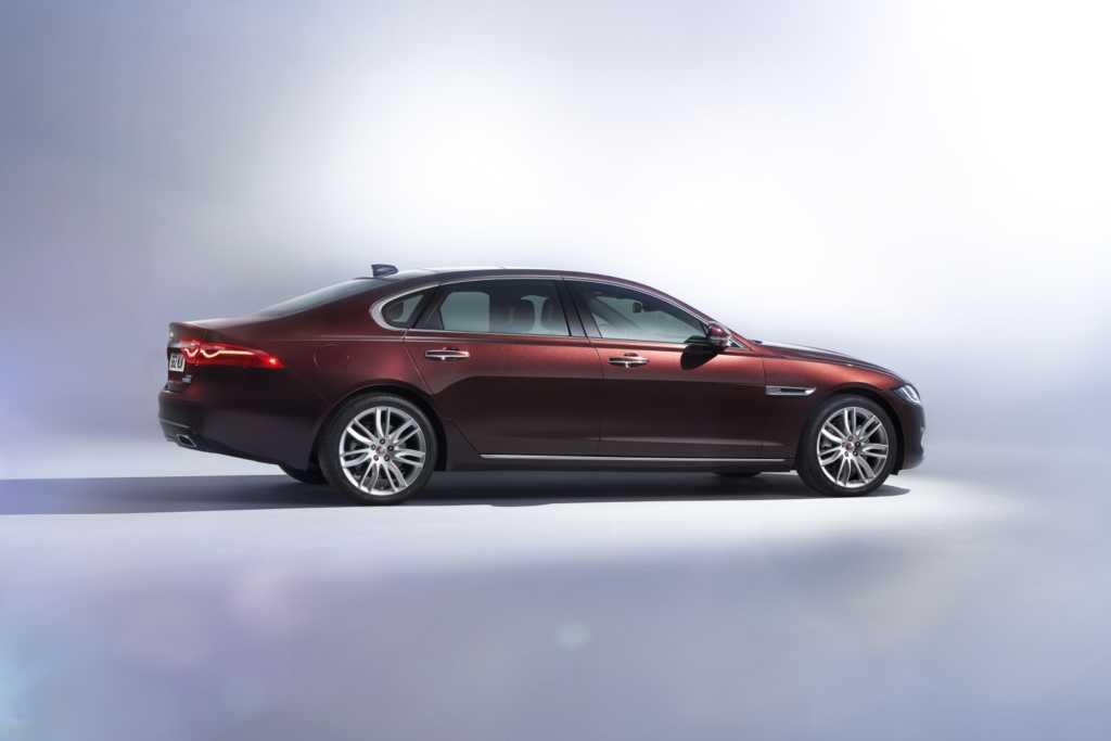 2016 Jaguar XFL (5)