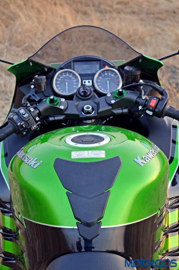 2016 Kawasaki ZX-14R rider's view(73)