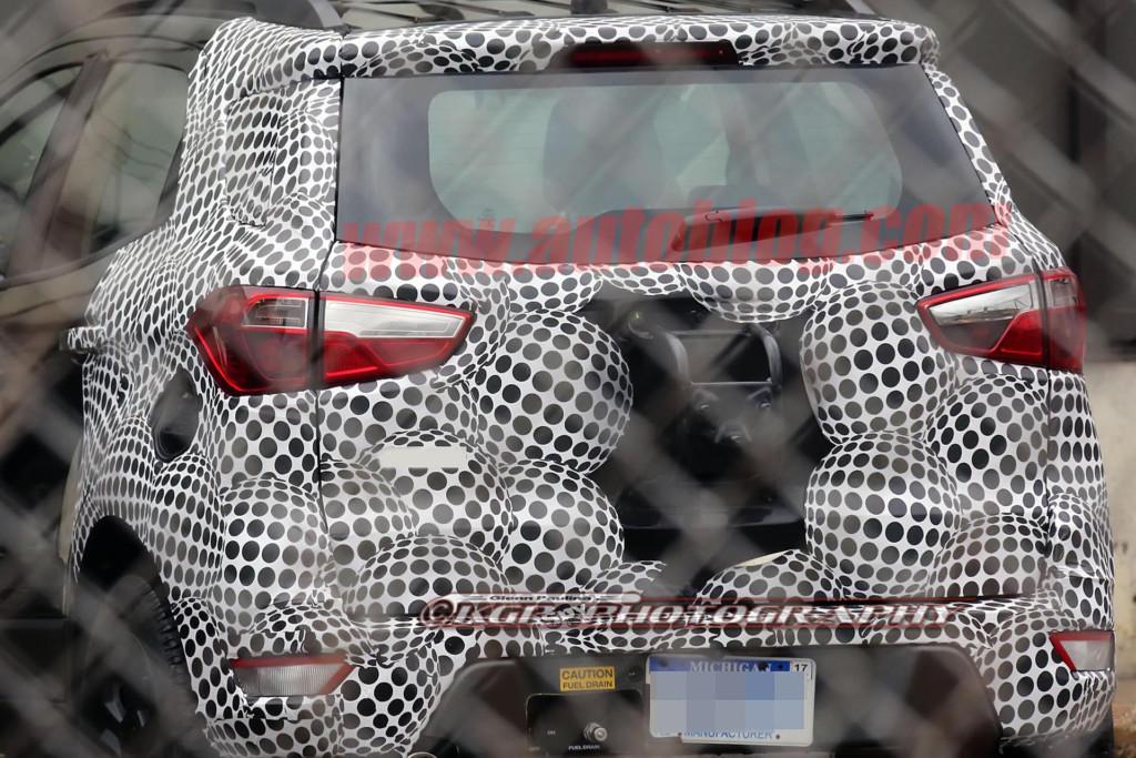 2017 Ford EcoSport (2)