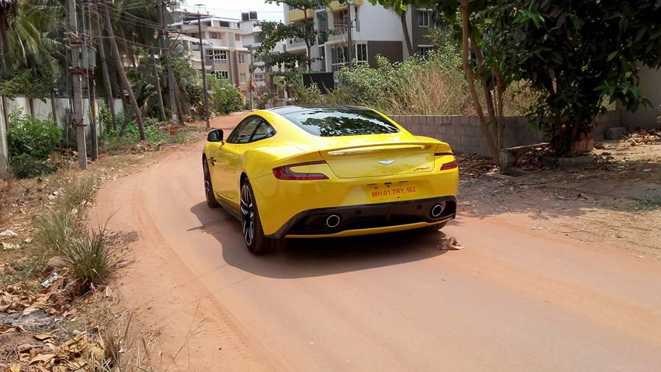 Aston Martin vanquish Sunburst Yellow (5)