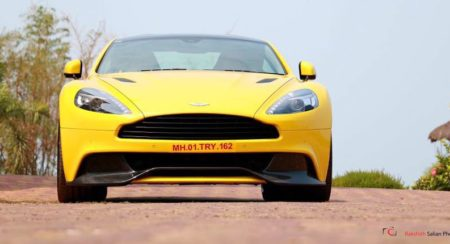 Aston Martin vanquish Sunburst Yellow (8)