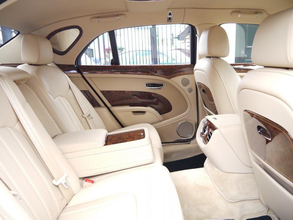 Bentley Mulsanne owned by Queen Elizabeth II (4)