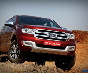 Ford Endeavour 3.2 AT 4x4 off roading 6 e1461152487237 300x250 Ford and Toyota Establish SmartDeviceLink Consortium to Accelerate Standards for In Vehicle App