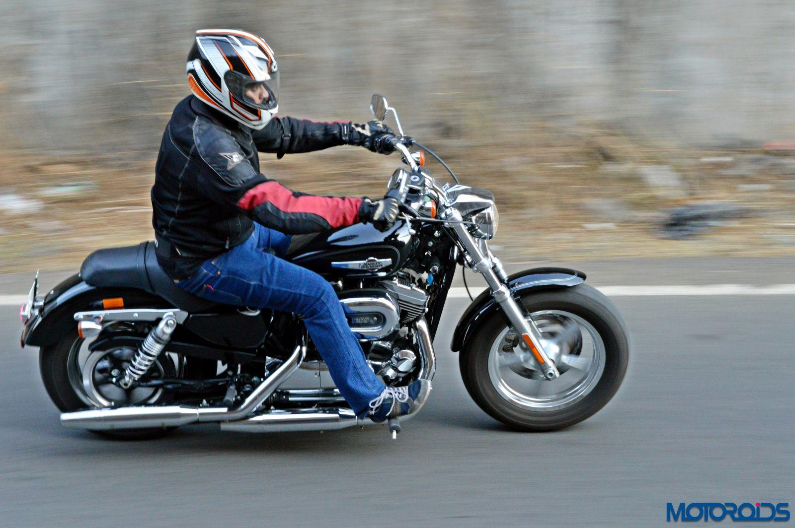 Harley Davidson 1200 Custom Review Action Shots 3