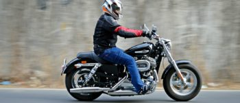 Harley-Davidson 1200 Custom Review – Action Shots (6)
