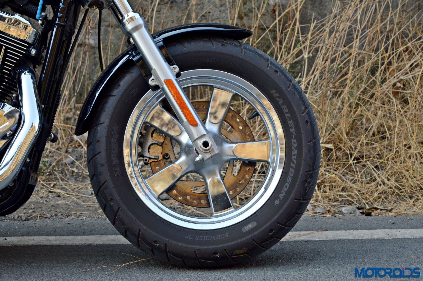 Harley-Davidson 1200 Custom Review - Details (24)
