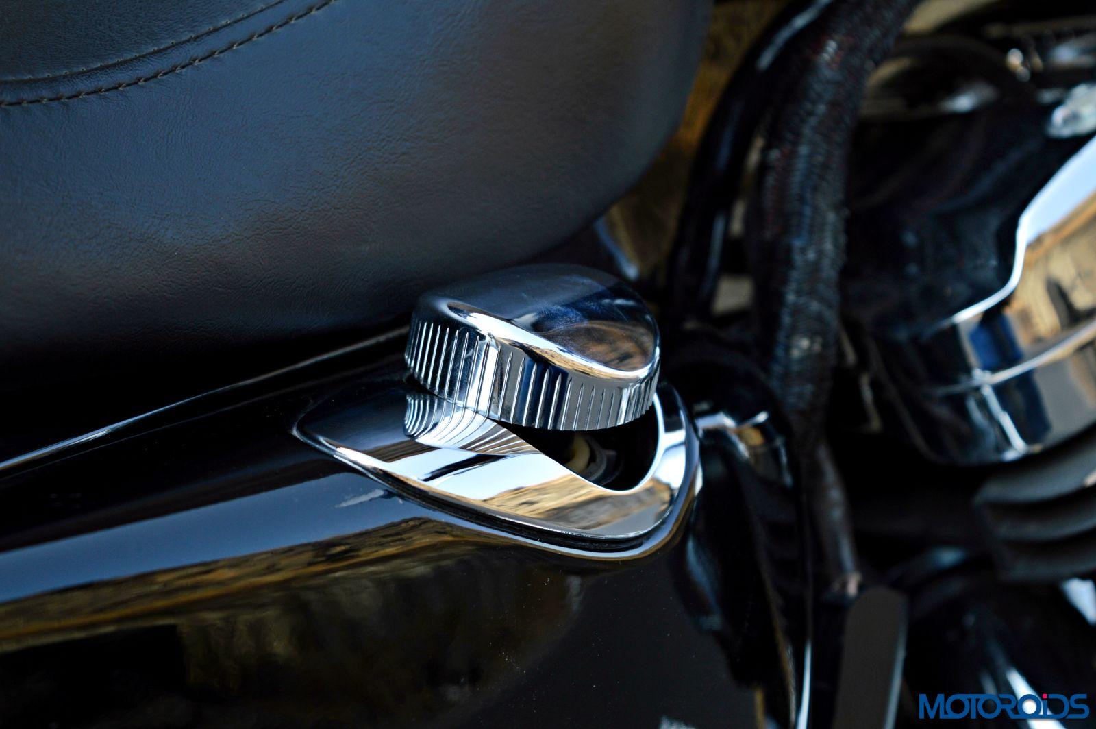 Harley-Davidson 1200 Custom Review - Details (27)