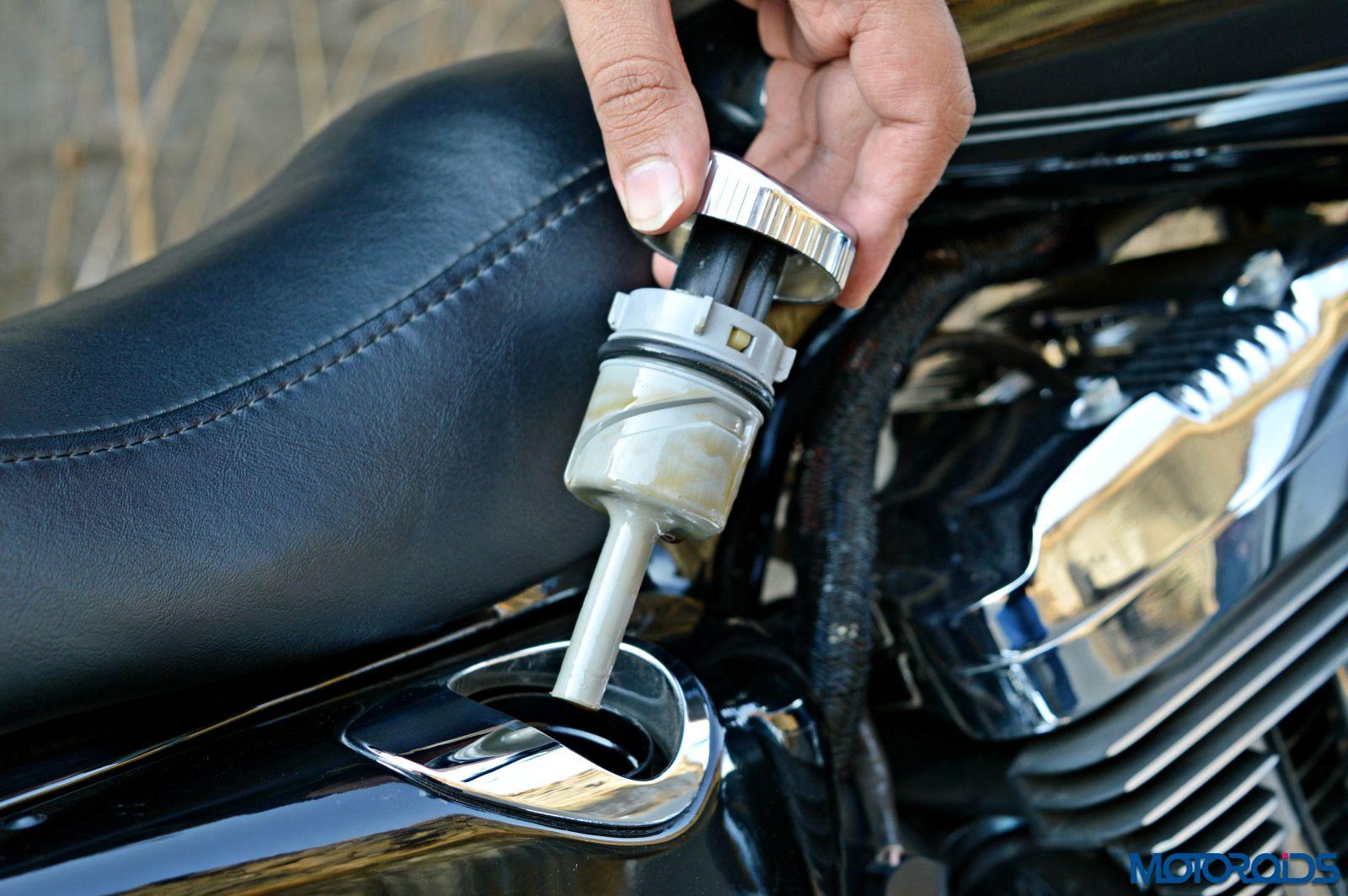 Harley-Davidson 1200 Custom Review - Details (64)