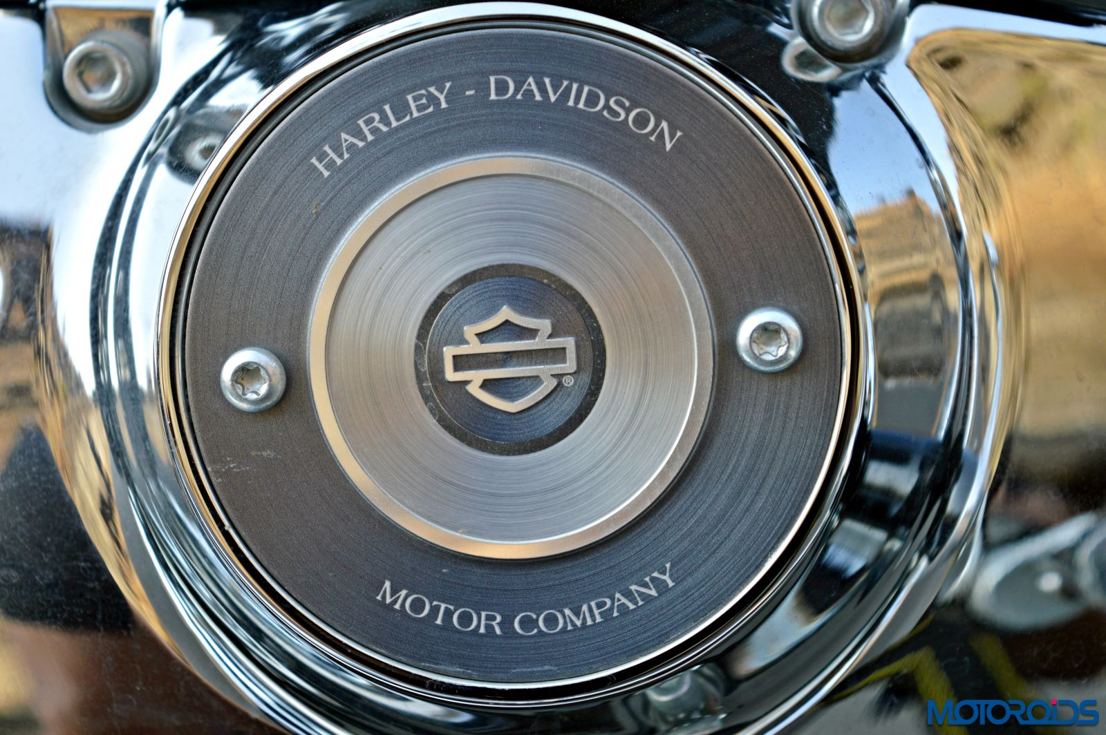 Harley-Davidson 1200 Custom Review - Details - Engine (2)