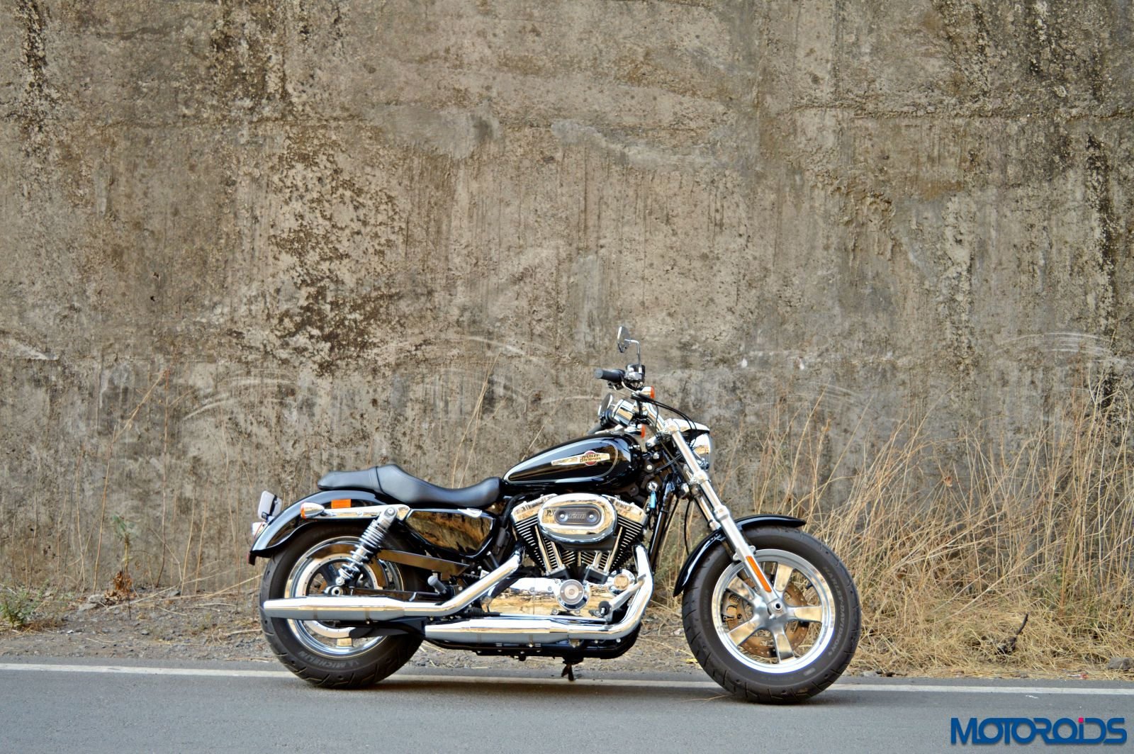Harley-Davidson 1200 Custom Review - Still Shots (3)