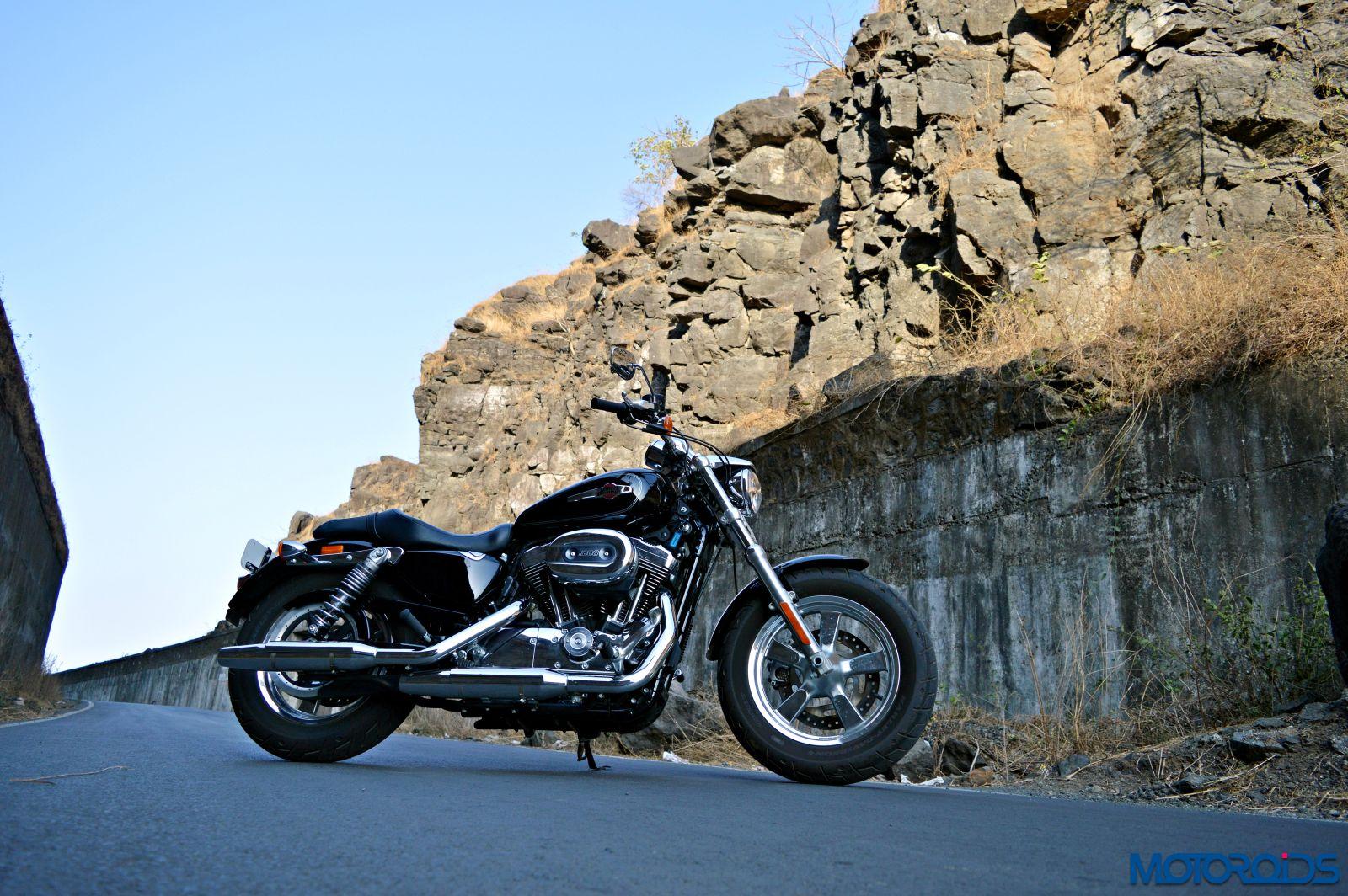 Harley-Davidson 1200 Custom Review - Still Shots (8)