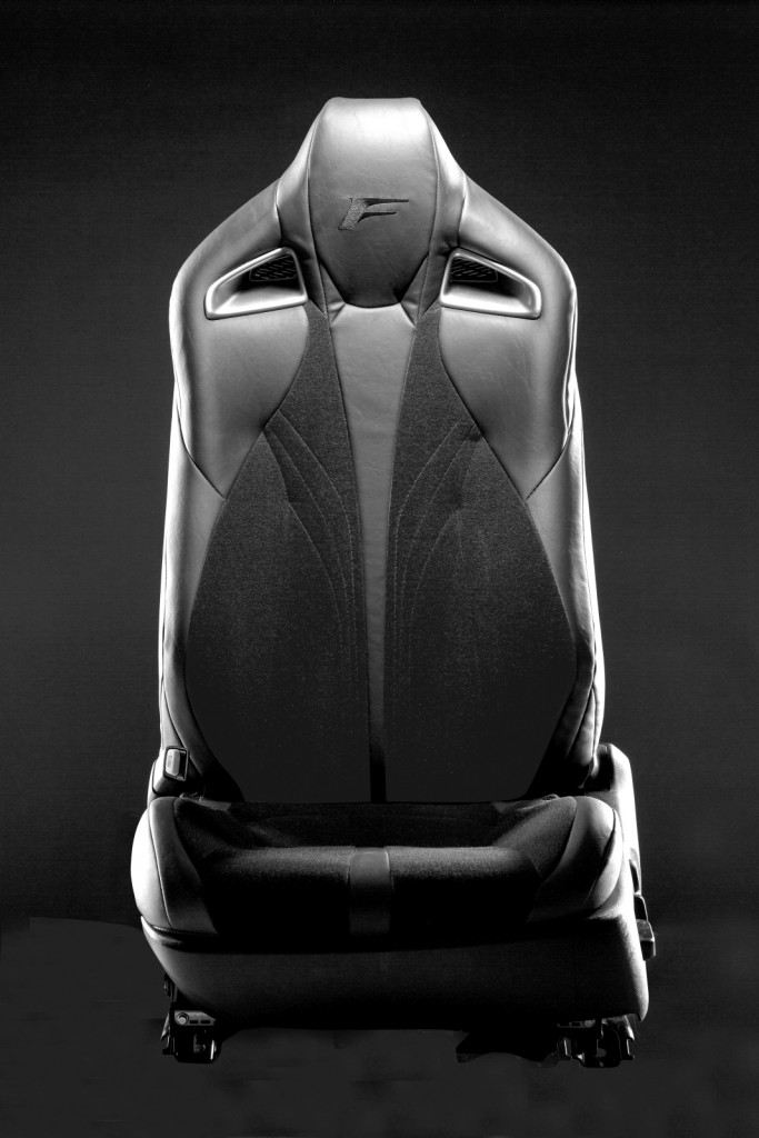 Lexus V-LCRO seat technology (2)