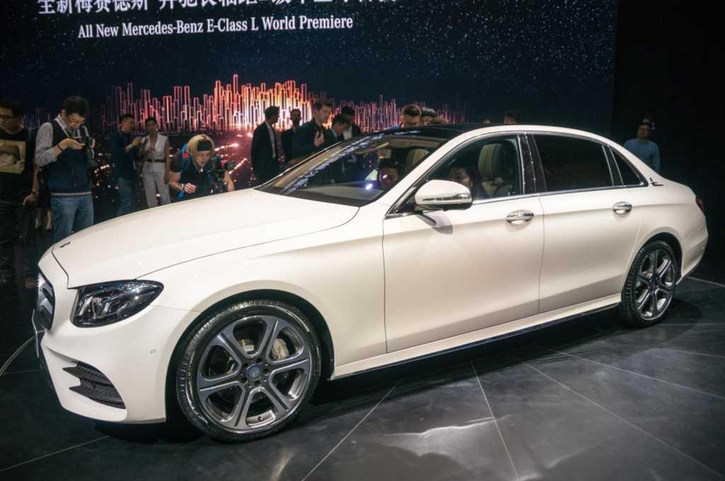 Mercedes-Benz E-Class L (2)