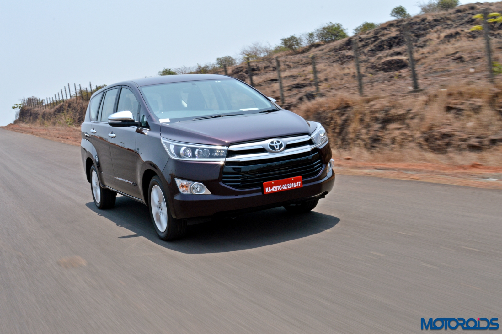 new toyota innova crysta review  2 8 at and 2 4 mt new toyota innova crysta features new toyota innova crysta colours