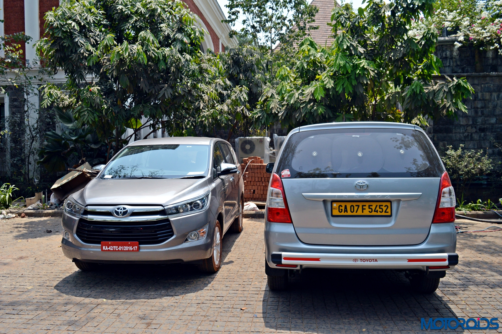 new toyota innova crysta review  2 8 at and 2 4 mt toyota new innova crysta price new toyota innova crysta colours