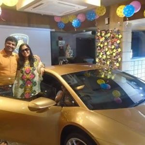 kolkata india 39 s first lady lamborghini owner receives country 39 s firs. Black Bedroom Furniture Sets. Home Design Ideas