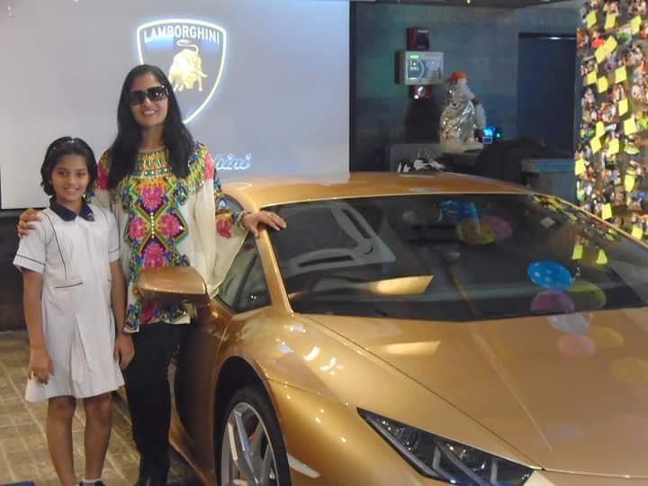 Kolkata India S First Lady Lamborghini Owner Receives Country S