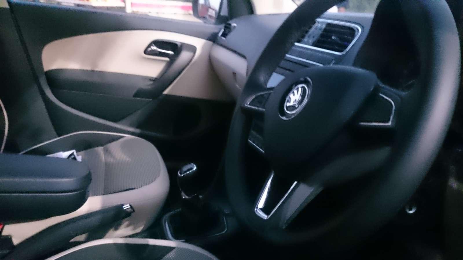 Skoda Rapid facelift interior