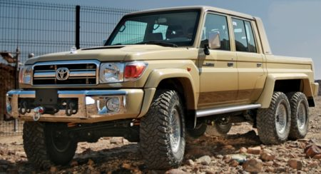 Toyota Land Cruiser 6x6 (1)