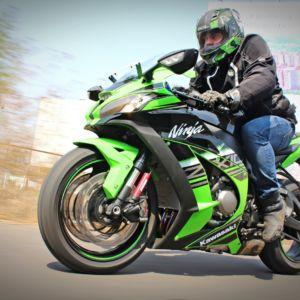 New 2016 Kawasaki Ninja ZX-10R KRT Edition India Review : Shuriken Slash