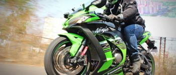 2016 Kawasaki Ninja ZX-10R – Review – Action Shots (6)