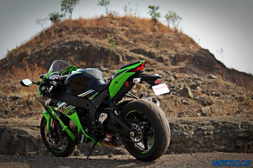 2016 Kawasaki Ninja ZX-10R - Review - Still Shots (18)